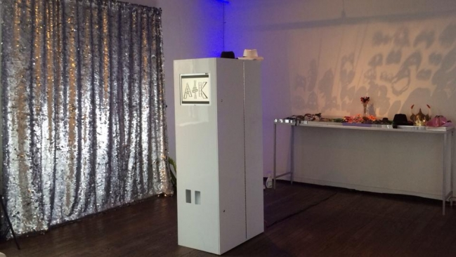 Open air photo booth in Dallas and Fort Worth Texas